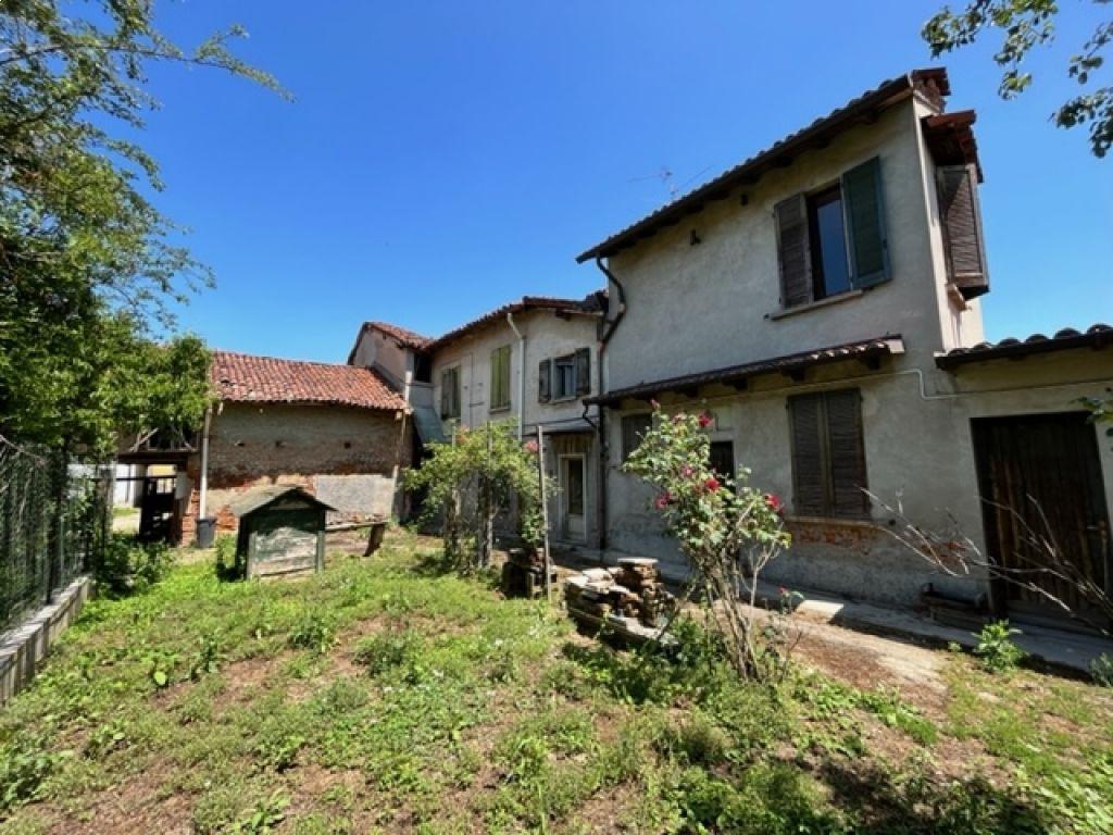 Rustico / Casale in vendita a San Colombano al Lambro, 12 locali, prezzo € 140.000 | PortaleAgenzieImmobiliari.it