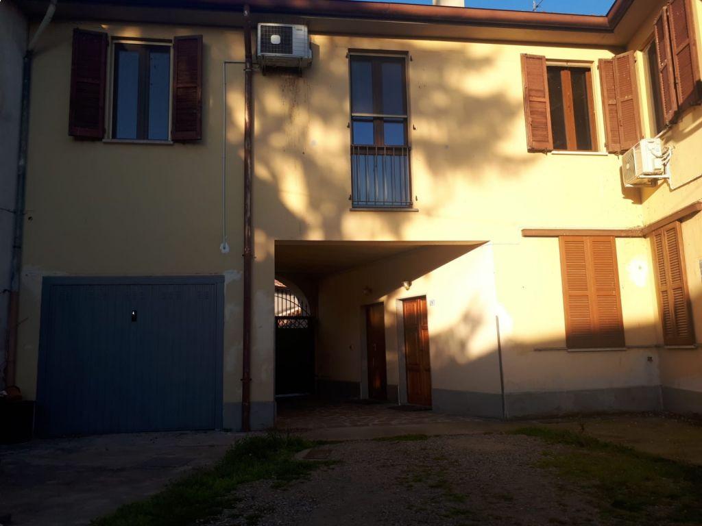 Appartamento trilocale in vendita a Maleo (LO)