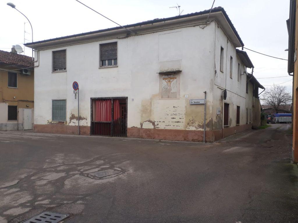 Casa indipendente 6 locali in vendita a Codogno (LO)