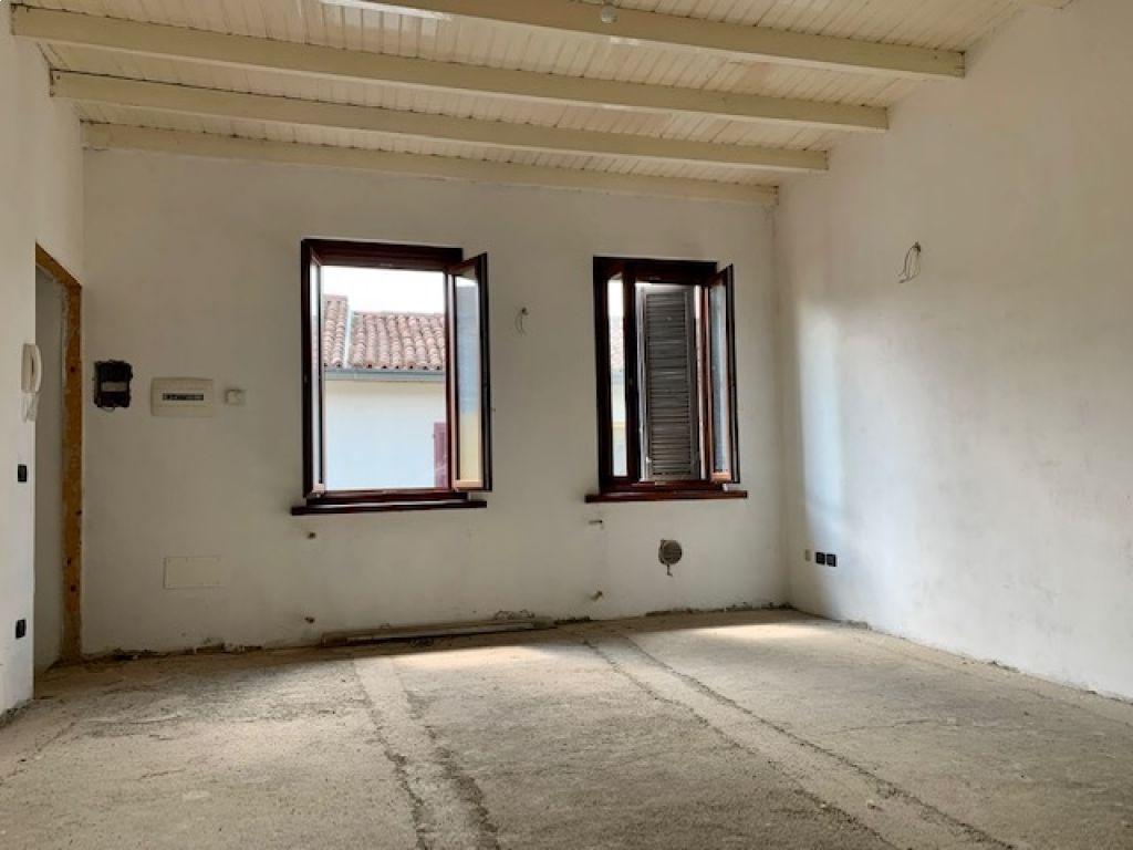 Casa semi indipendente 5 locali in vendita a Borghetto Lodigiano (LO)-8