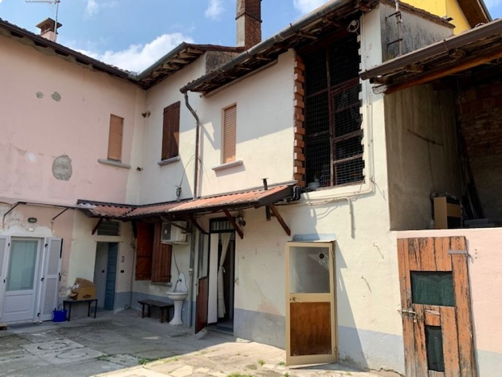 Casa semi indipendente 5 locali in vendita a Borghetto Lodigiano (LO)-2