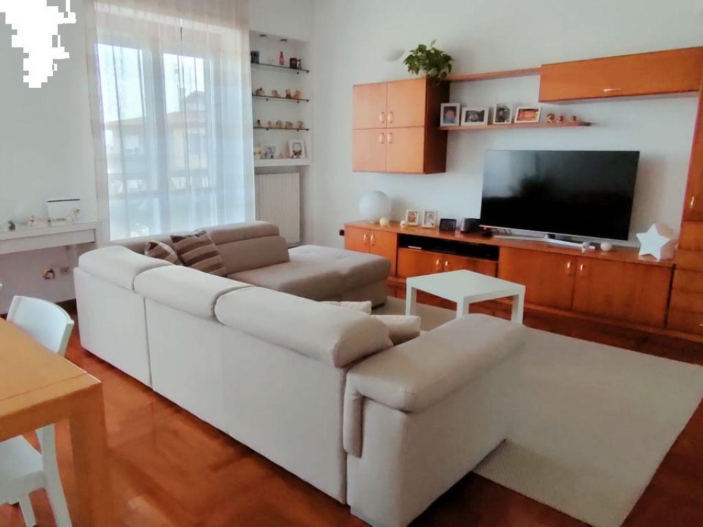 Appartamento in vendita a Casalpusterlengo, 3 locali, prezzo € 155.000   CambioCasa.it