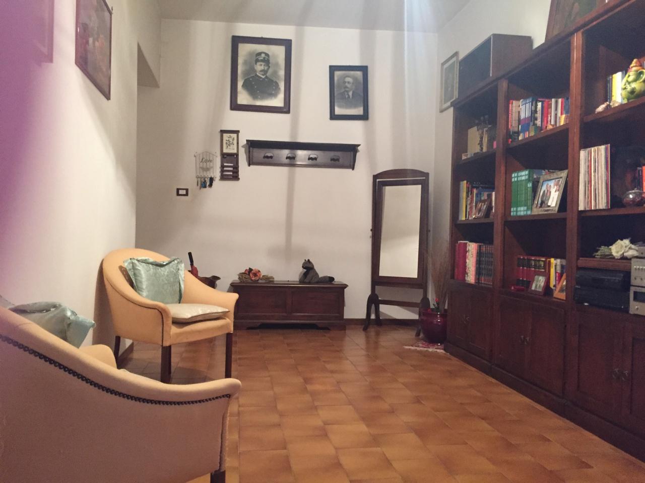 Appartamento da ristrutturare in vendita Rif. 11298475