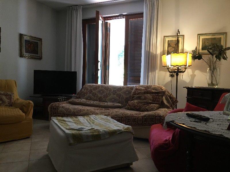 Villetta a schiera in buone condizioni in vendita Rif. 11220894