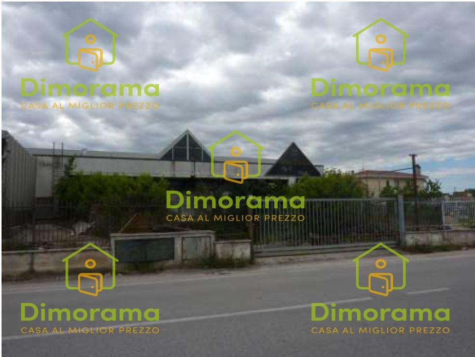 Laboratorio 5 locali in vendita a Foligno (PG)