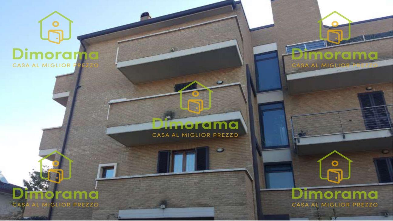 Appartamento quadrilocale in vendita a Foligno (PG)