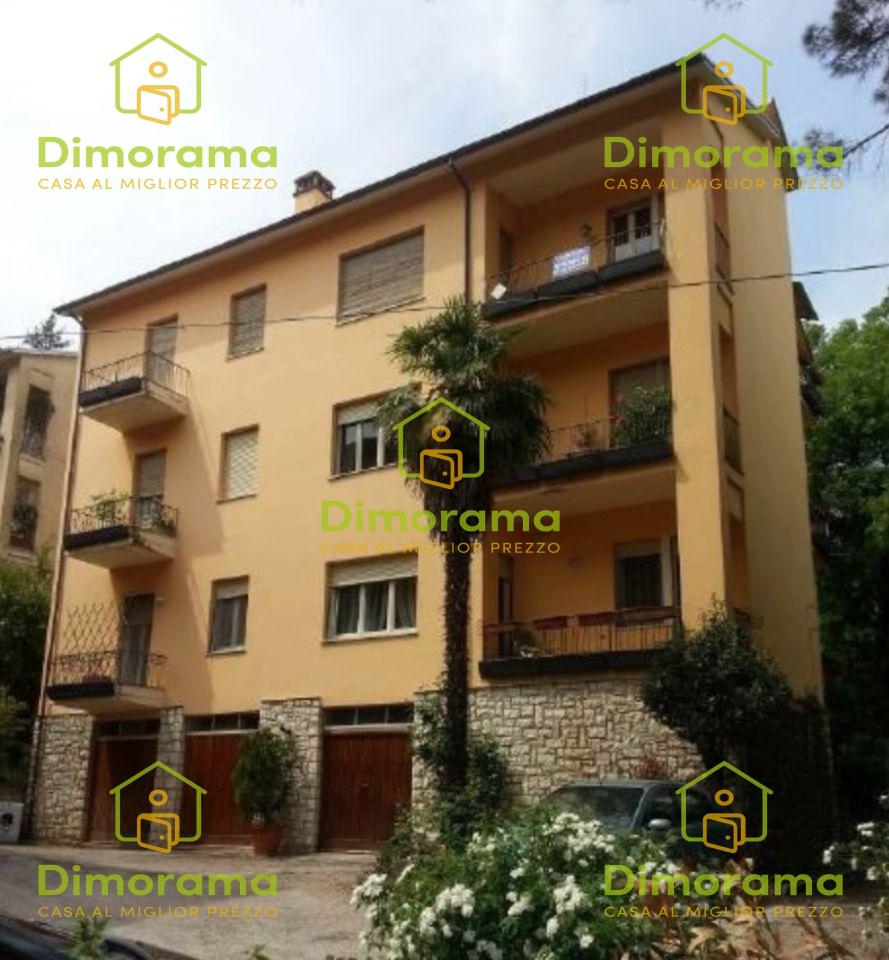 Appartamento 5 locali in vendita a Spoleto (PG)