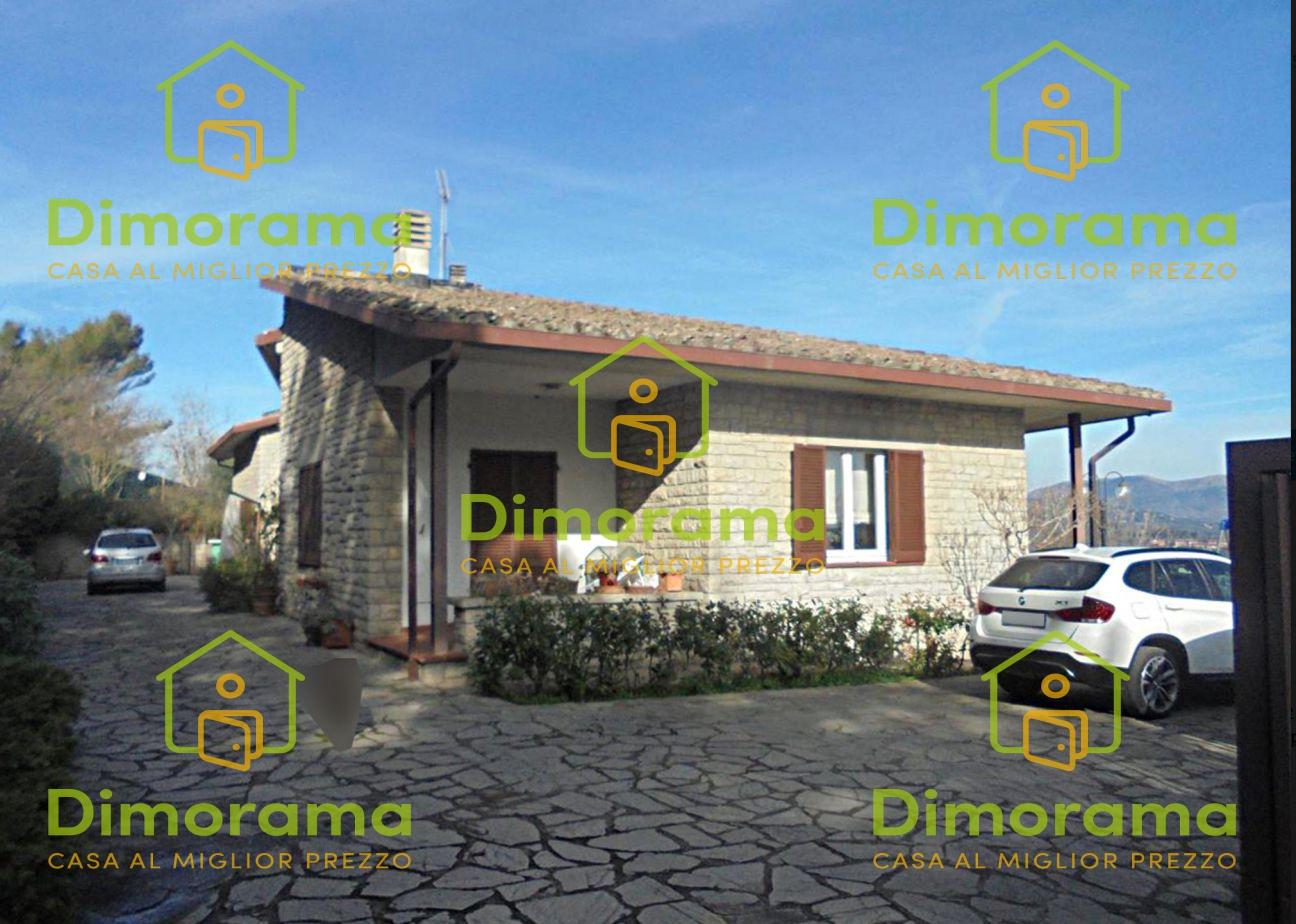 Villa 6 locali in vendita a Perugia (PG)