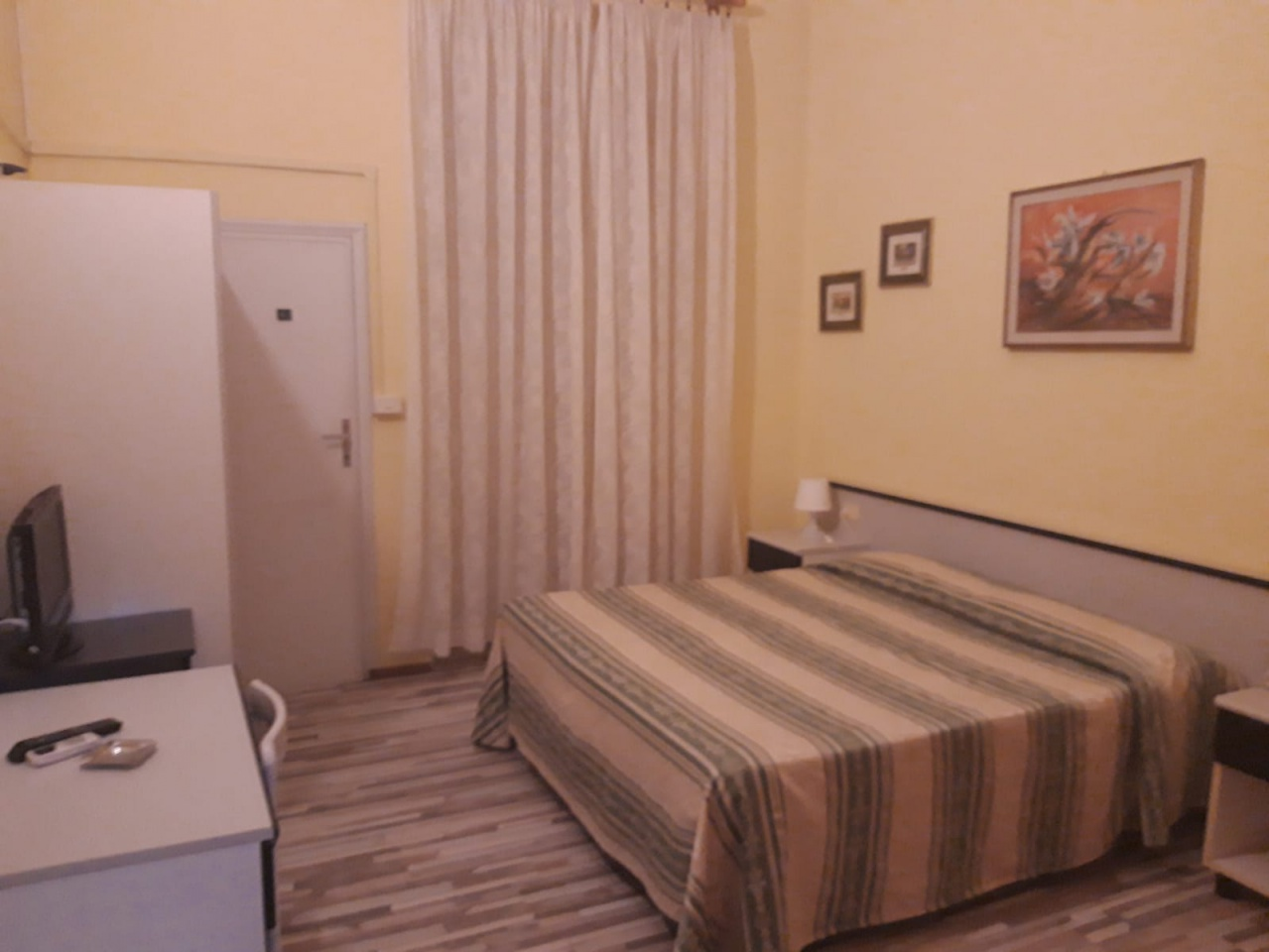 Albergo in vendita a Viareggio, 18 locali, prezzo € 280.000 | CambioCasa.it