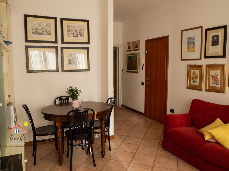 Appartamento in vendita a Camaiore, 3 locali, prezzo € 233.000 | CambioCasa.it