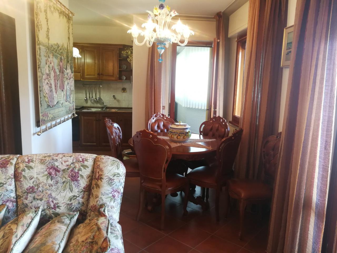 Appartamento in vendita a Camaiore, 4 locali, prezzo € 270.000   PortaleAgenzieImmobiliari.it