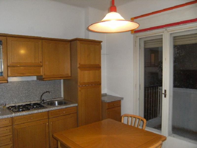 Appartamento in buone condizioni in affitto Rif. 11552752