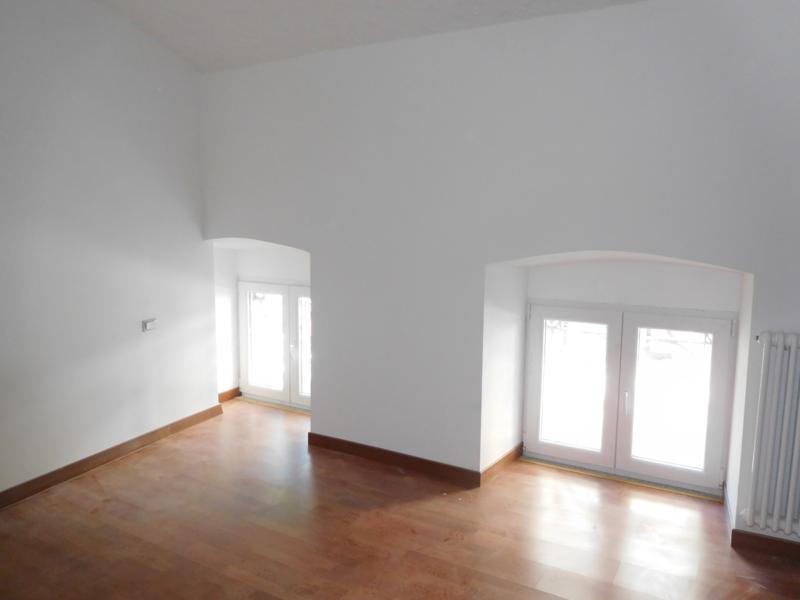 Appartamento in buone condizioni in affitto Rif. 11651131
