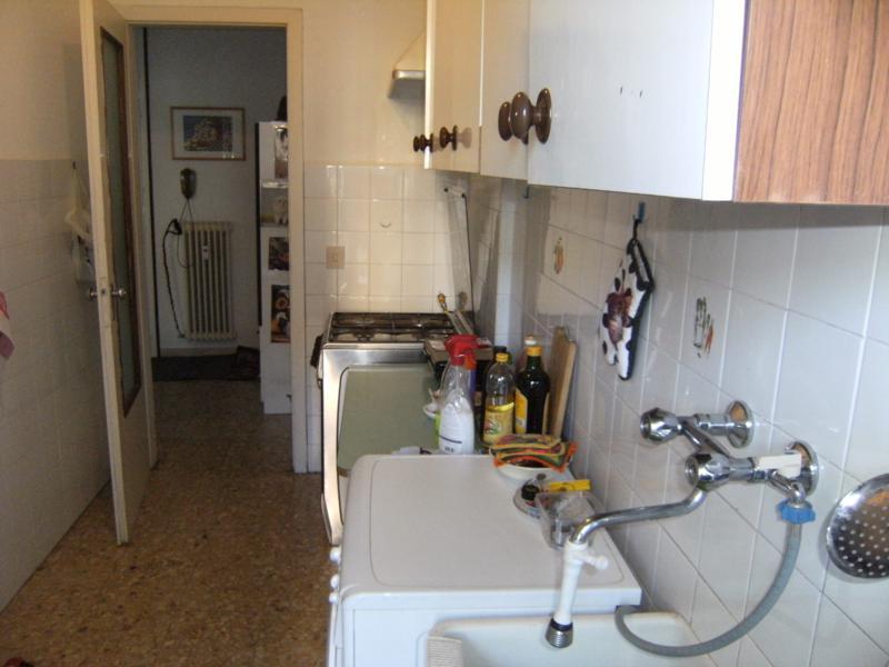 Appartamento in buone condizioni in affitto Rif. 11651135