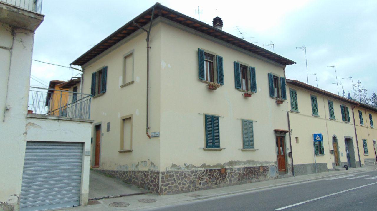 Appartamento da ristrutturare in vendita Rif. 11697384
