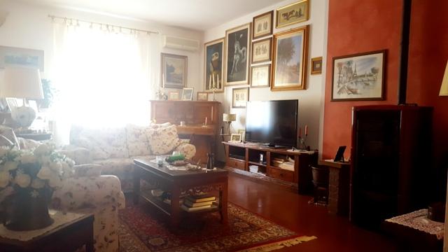 Appartamento in vendita a Greve in Chianti, 5 locali, prezzo € 310.000 | PortaleAgenzieImmobiliari.it