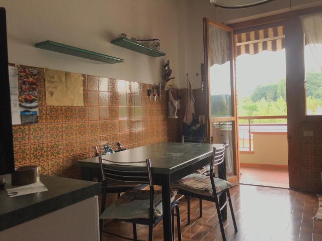 Appartamento da ristrutturare in vendita Rif. 11709460