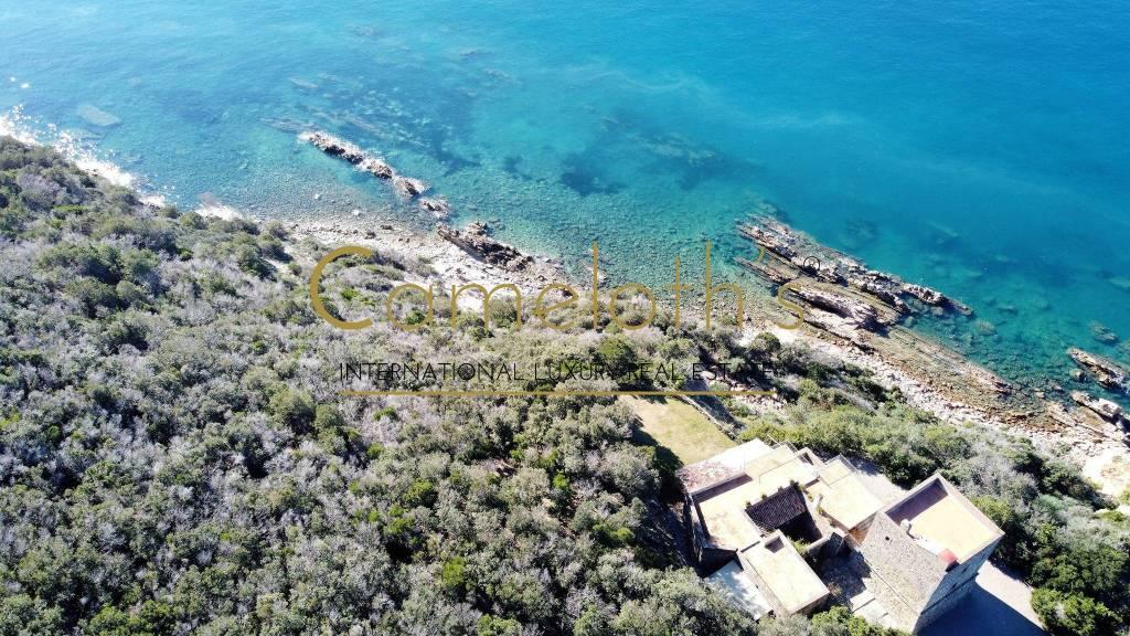 Villa con spiaggia privata