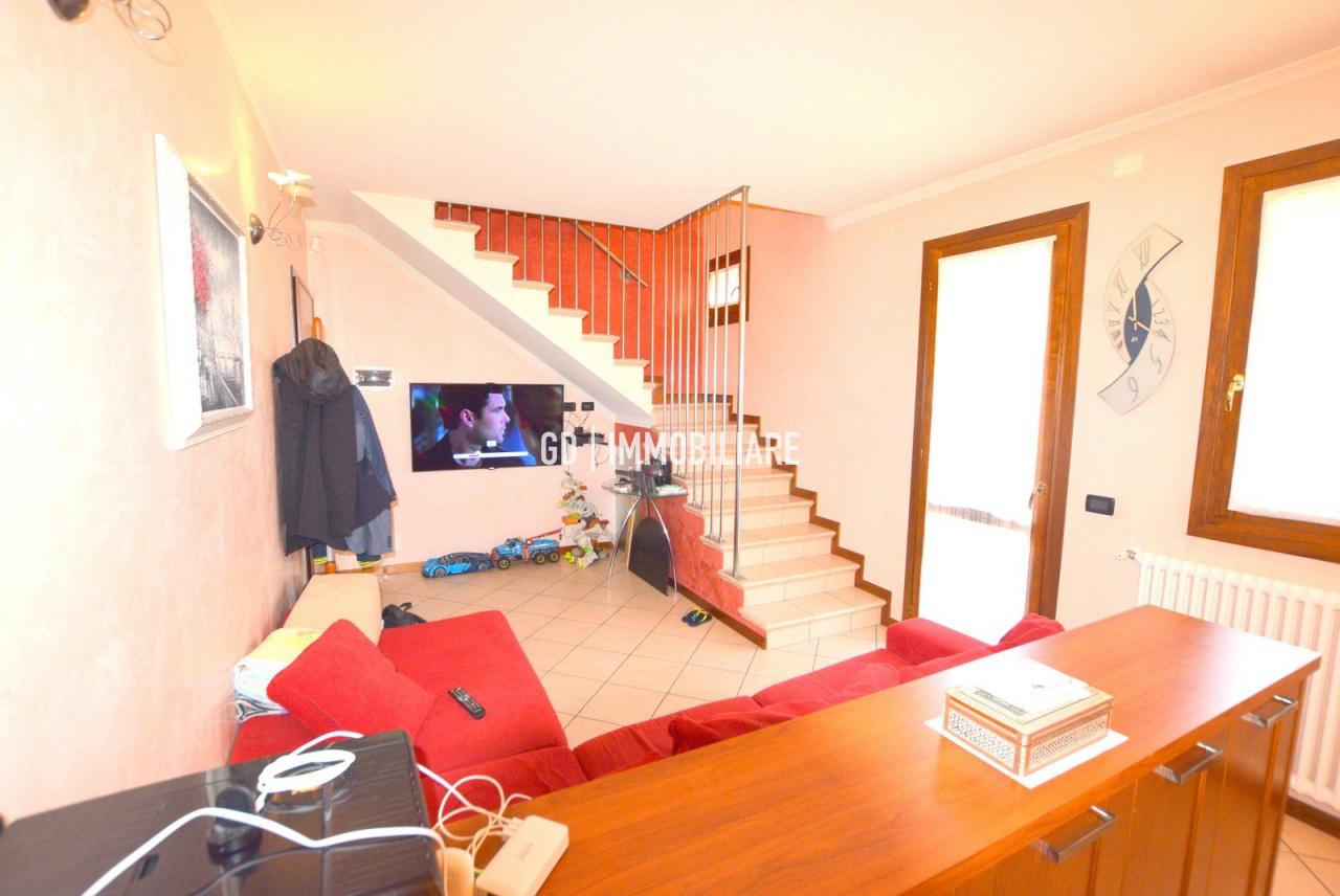 Appartamento in vendita a Asolo, 3 locali, prezzo € 119.000   PortaleAgenzieImmobiliari.it