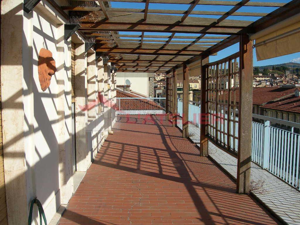 Attico / Mansarda in vendita a Arezzo, 8 locali, prezzo € 500.000 | PortaleAgenzieImmobiliari.it