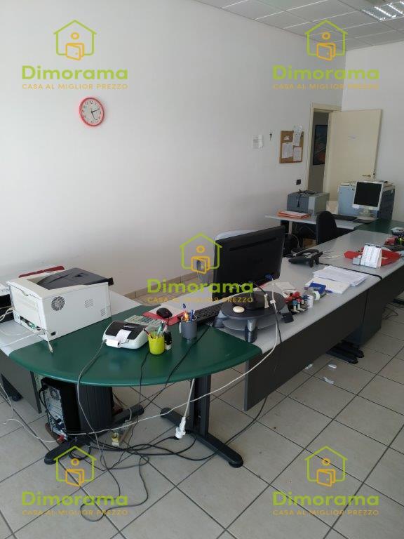 Locale Commerciale GIULIANOVA TE1353182