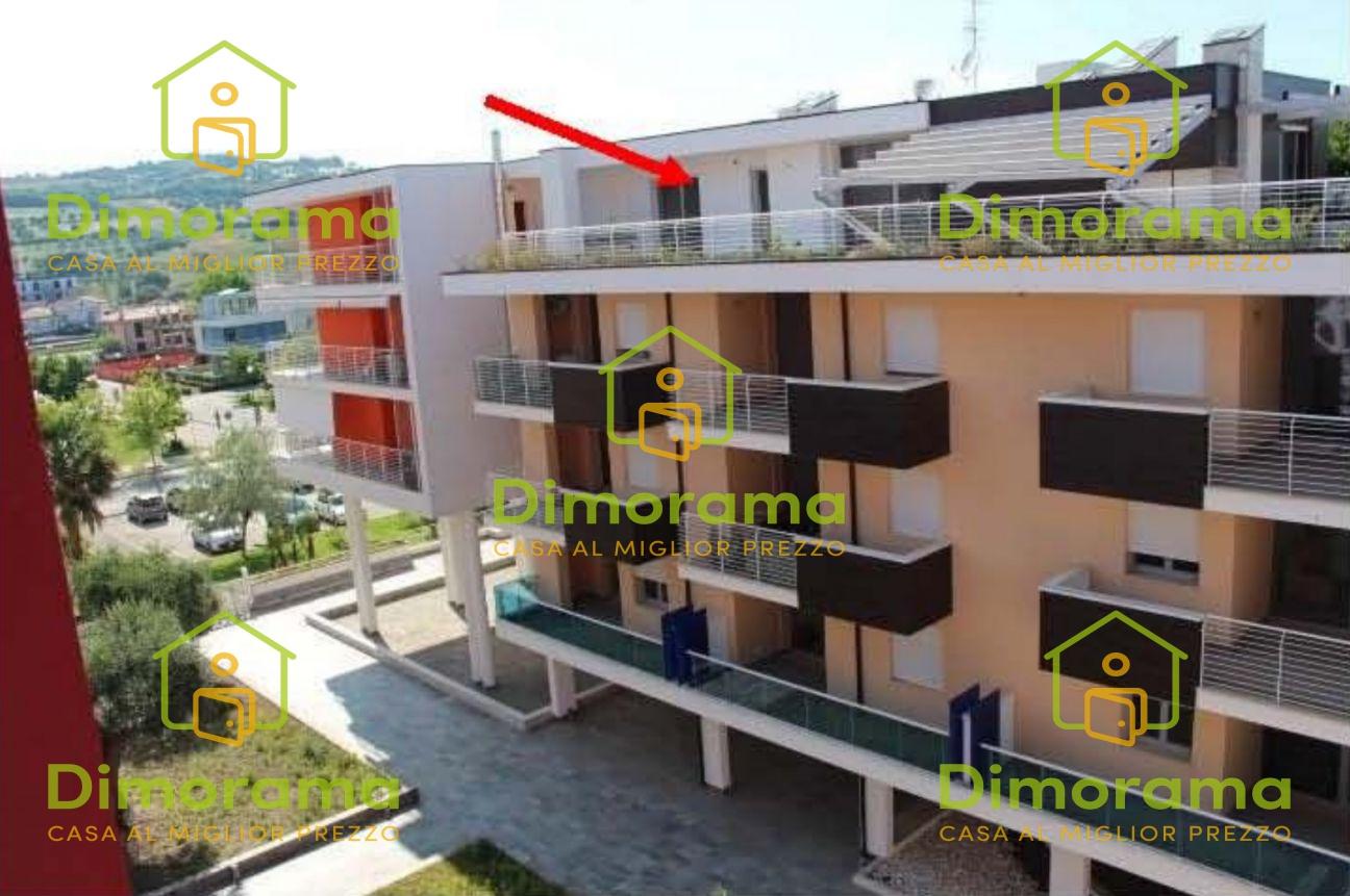 Appartamento 5 locali in vendita a Giulianova (TE)