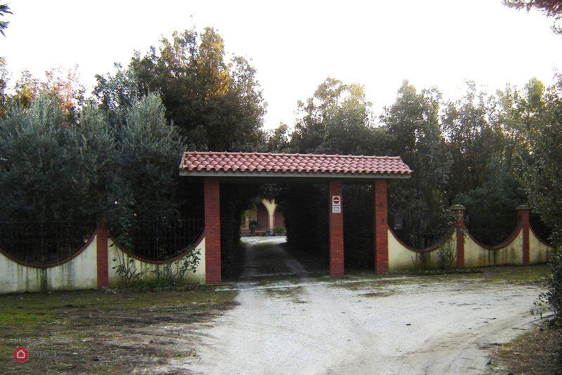 Villa 6 locali in vendita a Piombino (LI)