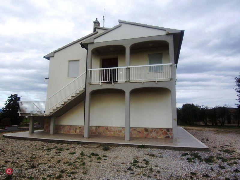 Casa indipendente in vendita a Campiglia Marittima (LI)