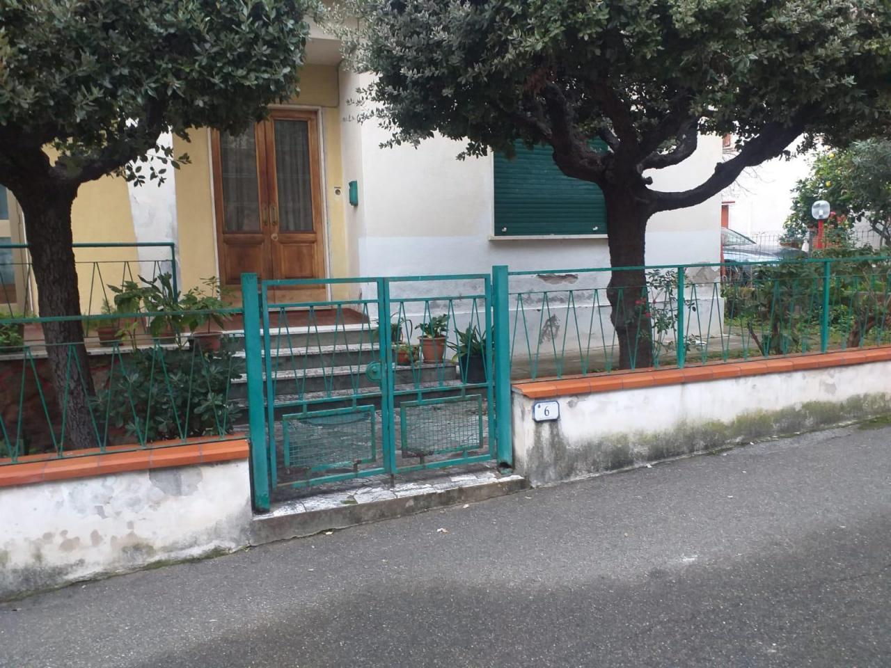 Casa indipendente 6 locali in vendita a Rosignano Marittimo (LI)